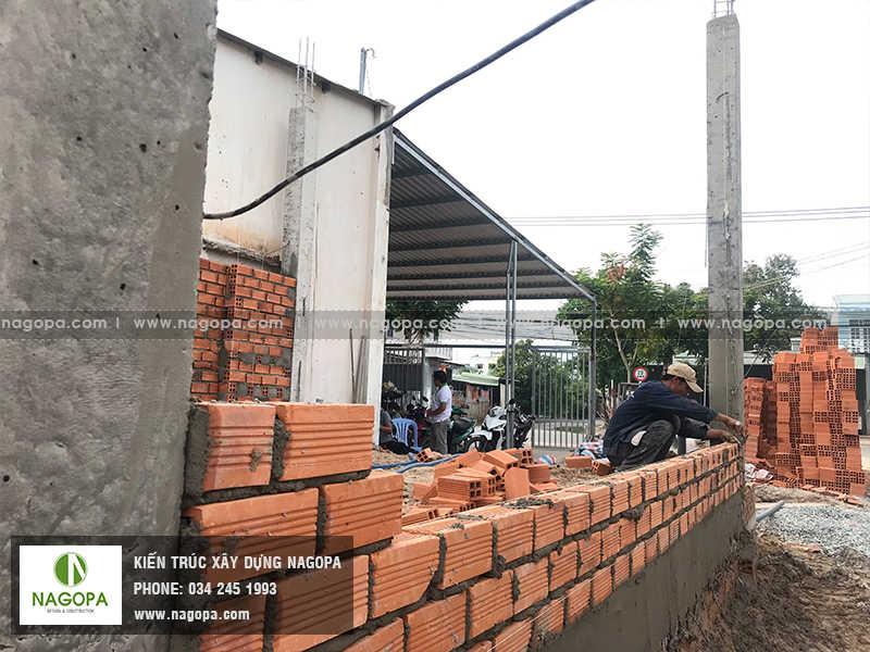 thi công xây tường nhà phố anh sang 01