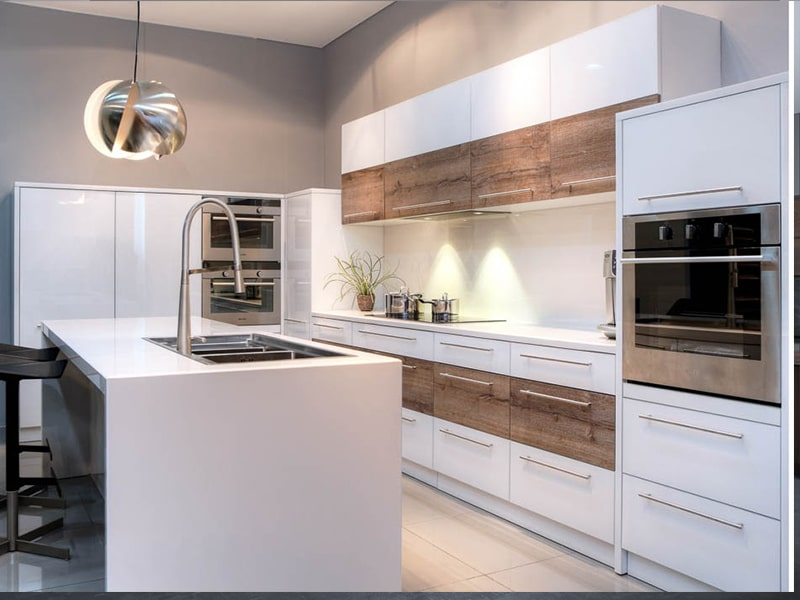 mẫu nhà bếp hiện đại đẹp nhiều người yêu thích 02