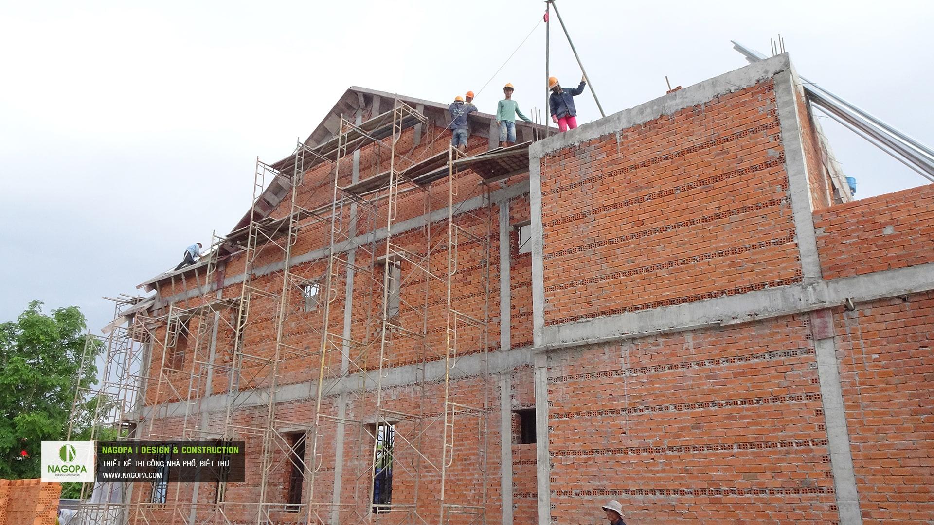 tiến độ xây dựng nhà phố chị H Thủ Dầu Một 06