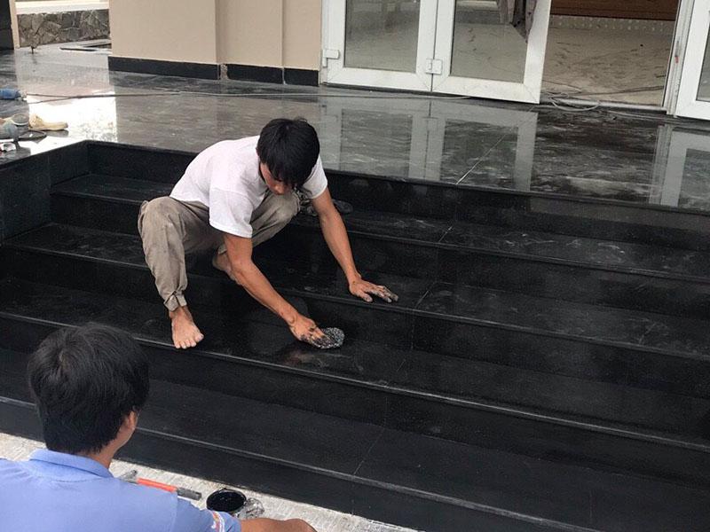 đá granite ứng dụng làm bậc tam cấp