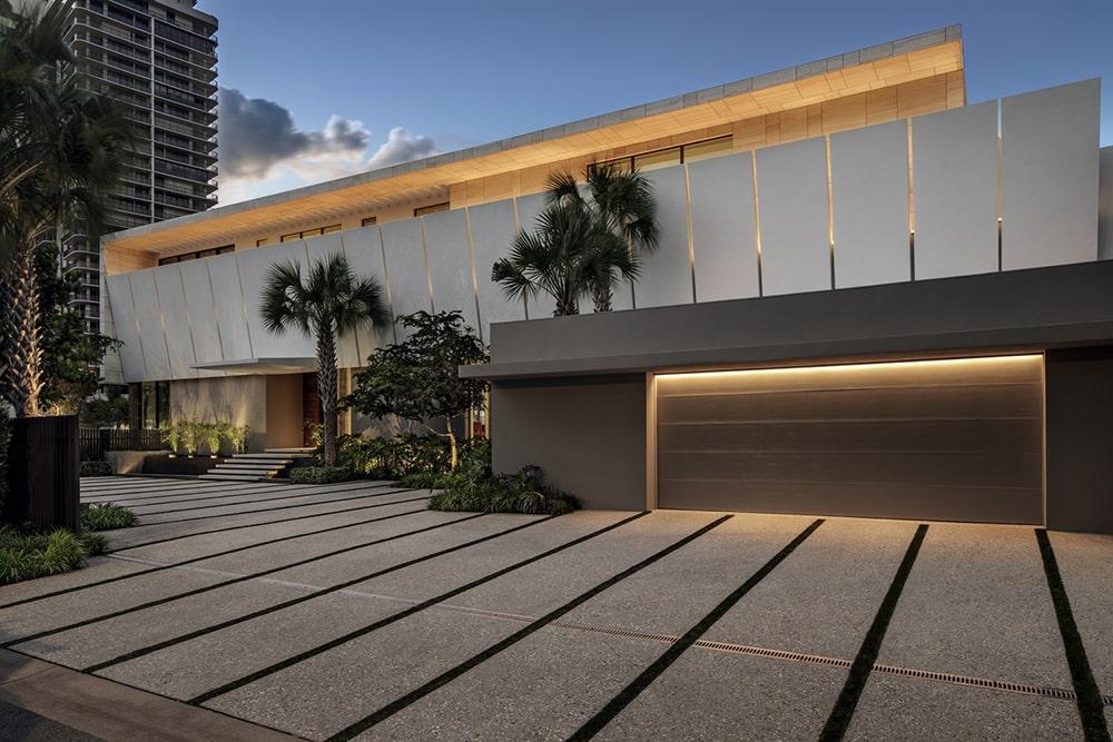 Ngôi biệt thự mặt tiền ven sông độc quyền ở thành phố Golden Beach 02